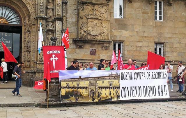 Manifestación del Comité de Empresa del Hostal dos Reis Católicos.