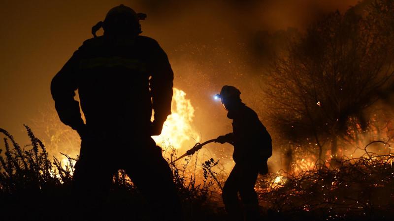 Bomberosforestalesextincionincendio