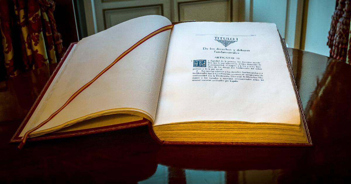 Constitucion libro senado