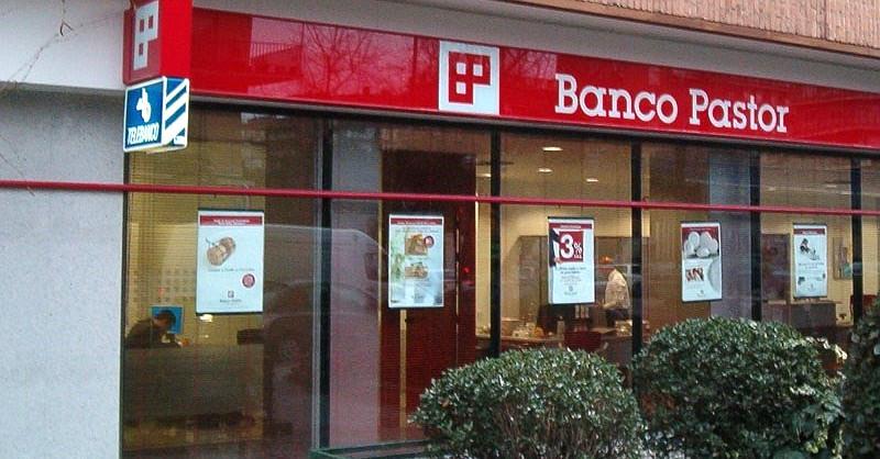 El santander firma el ere entre presiones para que banco for Oficinas banco pastor vigo