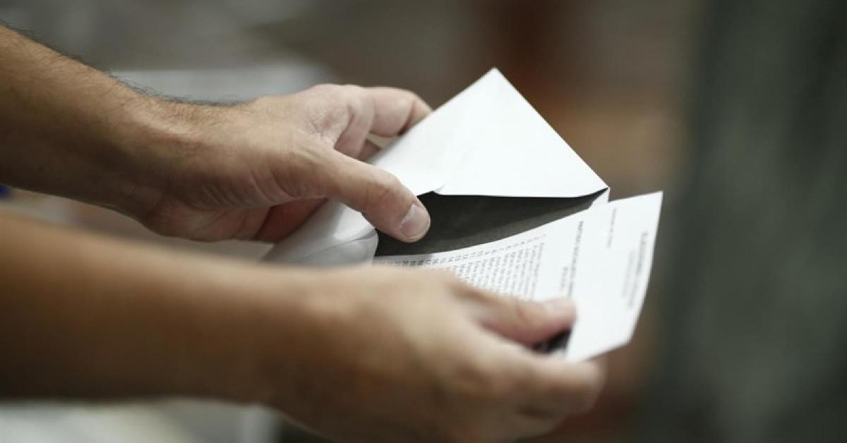 Papeleta sobre elecciones