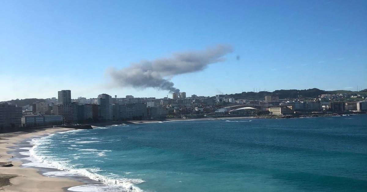Columna de humo Repsol