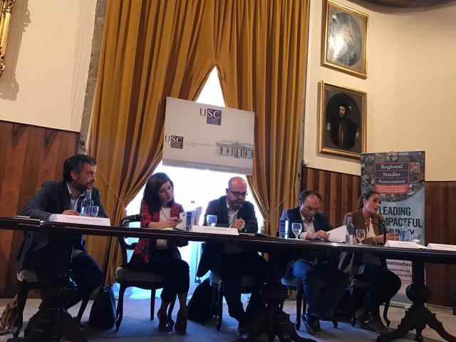 Foro sobre gobernanza con Xulio Ferreiro y Marta Lois, entre otros