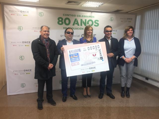 La Conselleira De Política Social De La Xunta Y El Delegado De La Oncde Presenta
