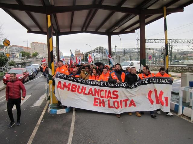 Manifestación de trabajadores de las ambulancias en Santiago