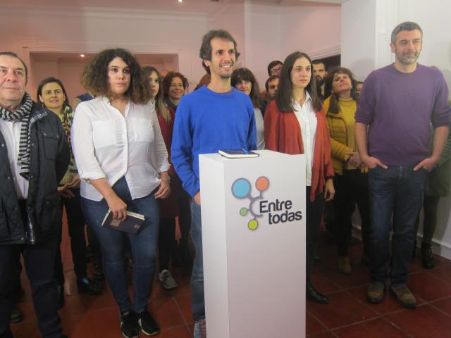 David Bruzos lidera la candidatura al Consello das Mareas 'Entre todas'