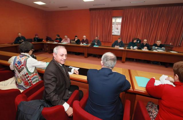 Sindicatos y representantes de la Xunta en la mesa sectorial de educación