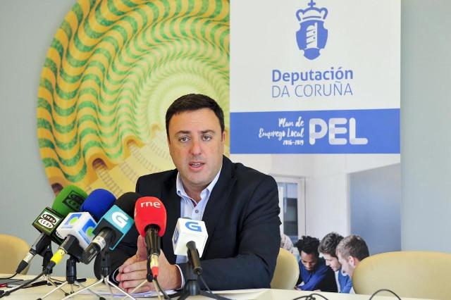 Presidente de la Diputación de A Coruña Valentín González Formoso en presentació