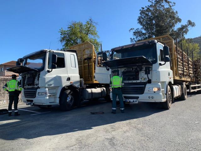 Interceptados dos camiones de la misma empresa en Padrón (A Coruña) con los sist
