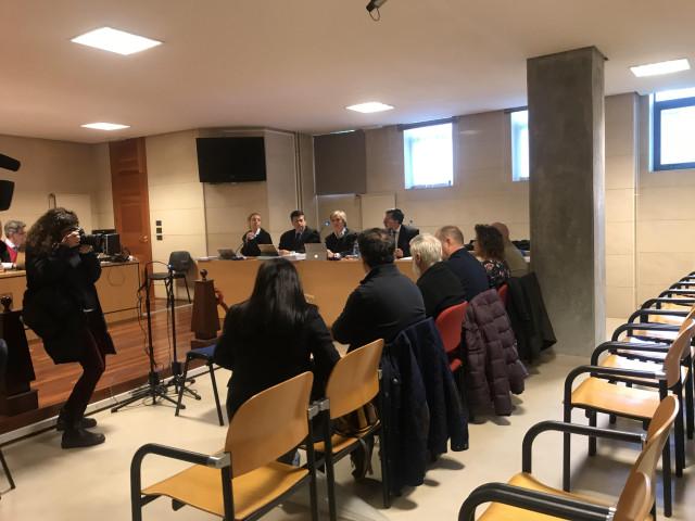 La defensa de los acusados en el caso Mahía cree