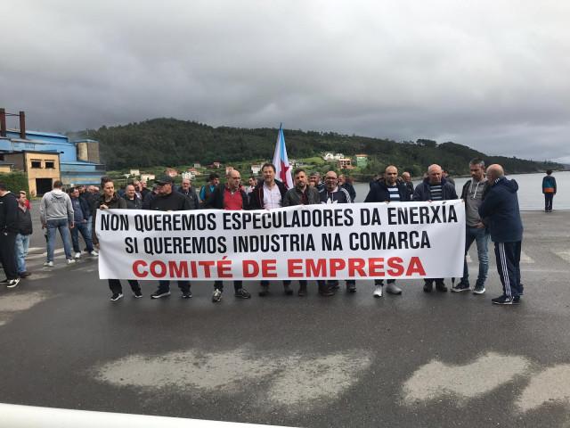 Trabajadores de Ferroatlántica en Cee y Dumbría (A Coruña) se movilizan contra
