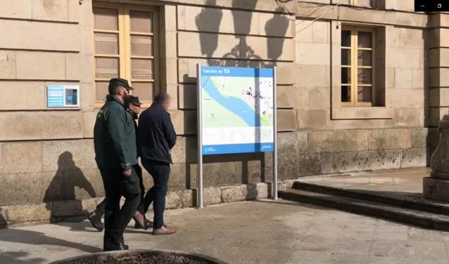 Detenido un agente de seguros en Tui (Pontevedra) por estafa al quedarse con el dinero de pólizas, que no formalizaba