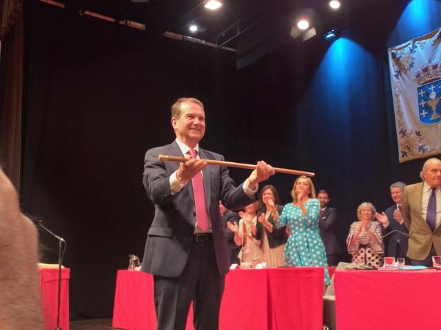 AV.- Abel Caballero, investido alcalde en su cuarto mandato consecutivo con