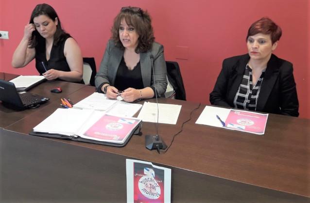 Eva María Losa Rodríguez, Sabela Landín y Rosario Martos, miembros de la Asociación de Afectadas del Essure de Galicia