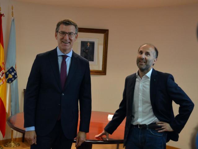 El presidente de la Xunta, Alberto Núñez Feijóo, y el alcalde de Ourense, Gonzalo Pérez Jácome, tras la reunión en la ciudad de As Burgas