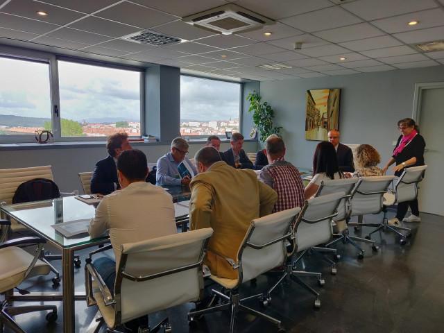 Reunión entre colectivos sociales, empresarios y la Xunta en la Comisión de Juego Responsable