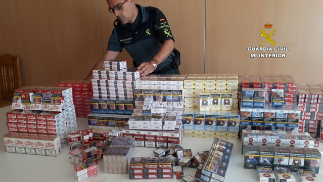 Intervenidas más de 1.600 cajetillas de tabaco sin documentación fiscal en Mos (Pontevedra) .