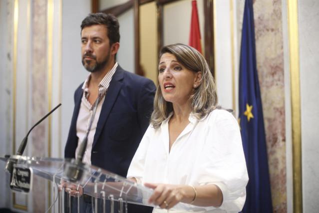 La diputada de En Común Unidas Podemos Yolanda Díaz ofrece declaraciones a los medios de comunicación tras la segunda y definitiva votación fallida para la investidura del candidato socialista a la Presidencia del Gobierno.