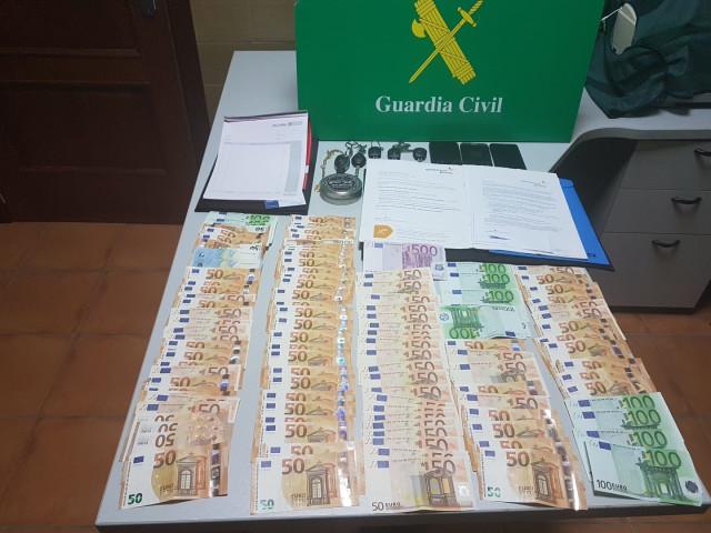 Cuatro detenidos en Santiago y Teo de una banda especializada en delitos contra el patrimonio.