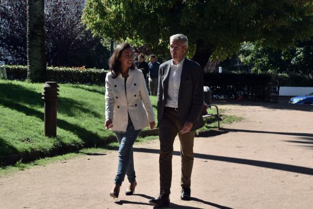 La alcaldesa de Marín, María Ramallo, con Alfonso Rueda en Pontevedra.