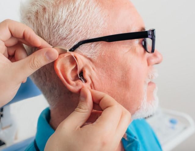 Pérdida auditiva, audífono, oído