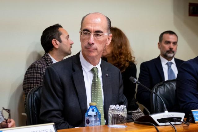 El conselleiro de Sanidade, Jesús Vázquez Almuiña, durante la comparecencia.