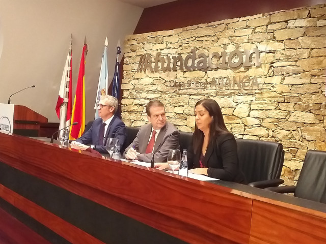 Alfonso Rueda, Abel Caballero y Susana Pérez, en la inauguración del IV Congreso Empresarias de Galicia.