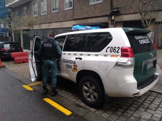Dotación de la USECIC de la Guardia Civil en el cuartel de Vigo