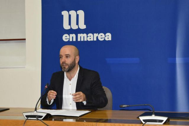 El portavoz del grupo mixto y de En Marea, Luís Villares, en una rueda de prensa