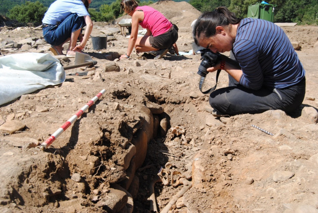 Excavación en A Pobra do Brollón