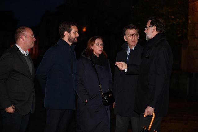 El presidente del PP, Pablo Casado; la mujer de Mariano Rajoy, Elvira Fernández Balboa; el presidente de la Xunta de Galicia, Alberto Núñez Feijóo; y el expresidente del Gobierno Mariano Rajoy, acuden al funeral de Mercedes Rajoy Brey