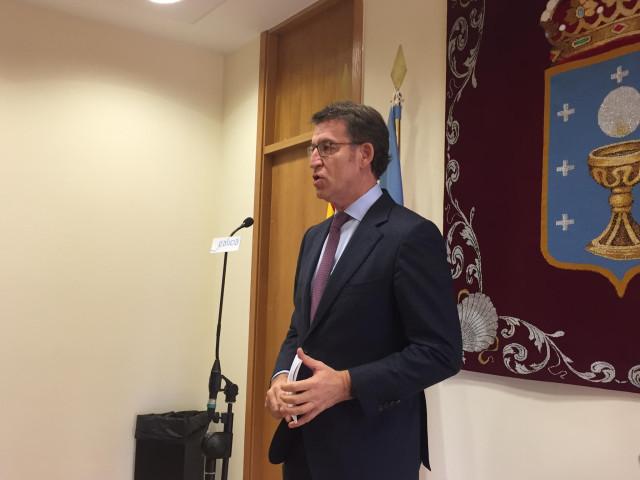 Feijóo comparece en el área de gobierno del Parlamento tras hablar con Pedro Sánchez