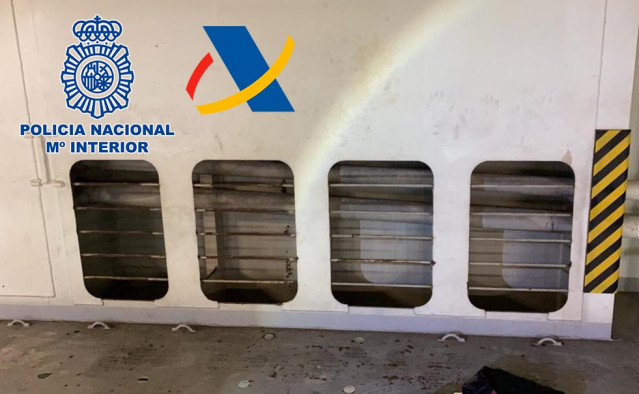 La cocaína se encontraba en bolsas de deporte escondidas en uno de los conductos del aire acondicionado del buque