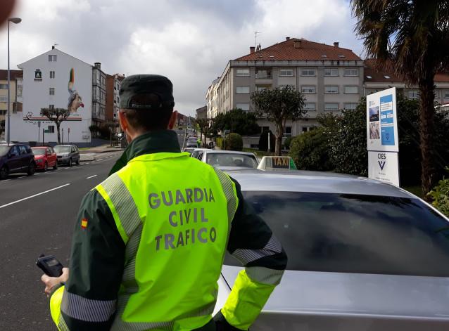 Control de alcohol y drogas realizado por la Guardia Civil con motivo de la Feira do Cocido de Lalín (Pontevedra).